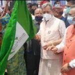 मुख्यमंत्री तीरथ सिंह रावत ने स्मार्ट बस को दी हरी झंडी