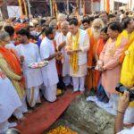 मुख्यमंत्री धामी ने अयोध्या में 'दिल्ली सेवा धाम ट्रस्ट' की प्रस्तावित धर्मशाला के शिलान्यास किया